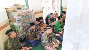 Puluhan Pemuda yang tergabung dalam Pengurus Anak Cabang (PAC) Gerakan Pemuda (GP) Ansor Kaliwates menggelar napak tilasdanziarah ke sejumlah makam ulama di Jember, Minggu (27/09/2020) lalu.